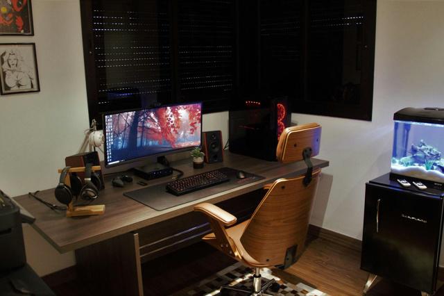 PC_Desk_UltlaWideMonitor34_86-.jpg