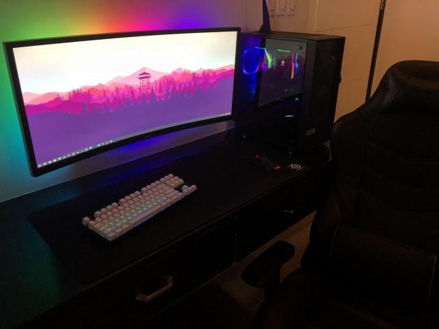 PC_Desk_UltlaWideMonitor34_89.jpg