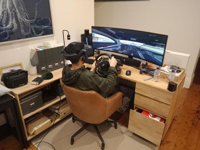 PC_Desk_UltlaWideMonitor34_95.jpg