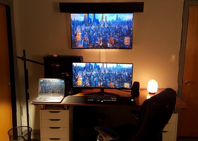PC_Desk_UltlaWideMonitor35_02.jpg