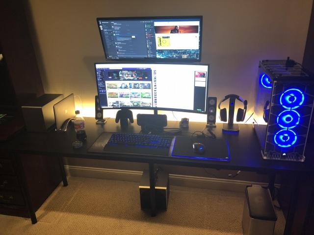 PC_Desk_UltlaWideMonitor35_31.jpg