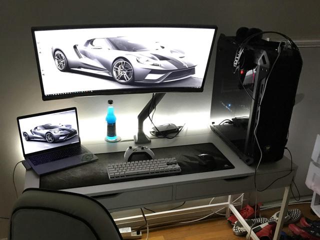 PC_Desk_UltlaWideMonitor35_34.jpg