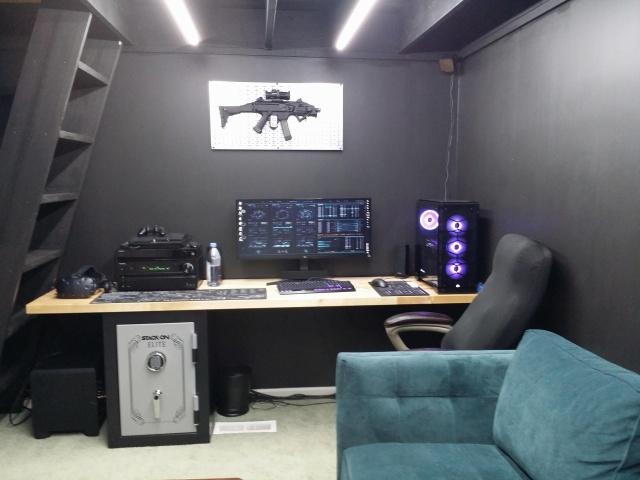 PC_Desk_UltlaWideMonitor35_42.jpg
