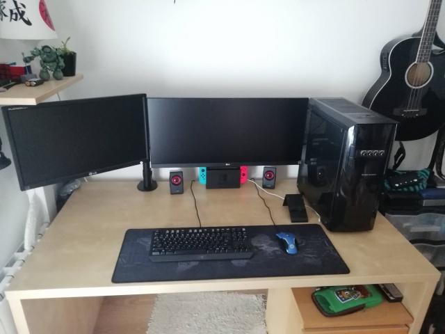 PC_Desk_UltlaWideMonitor35_65.jpg