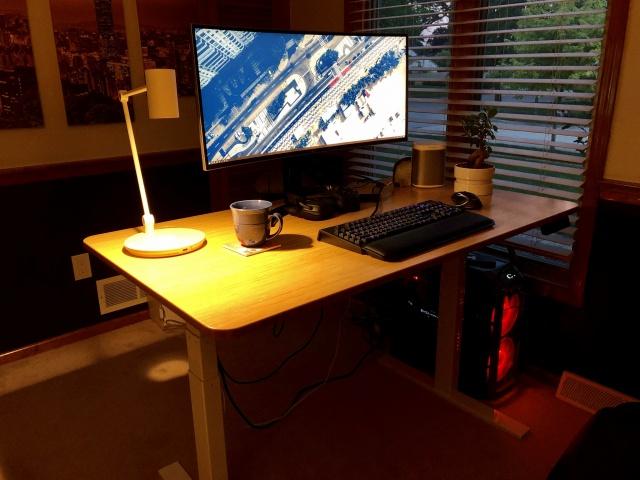 PC_Desk_UltlaWideMonitor35_68.jpg