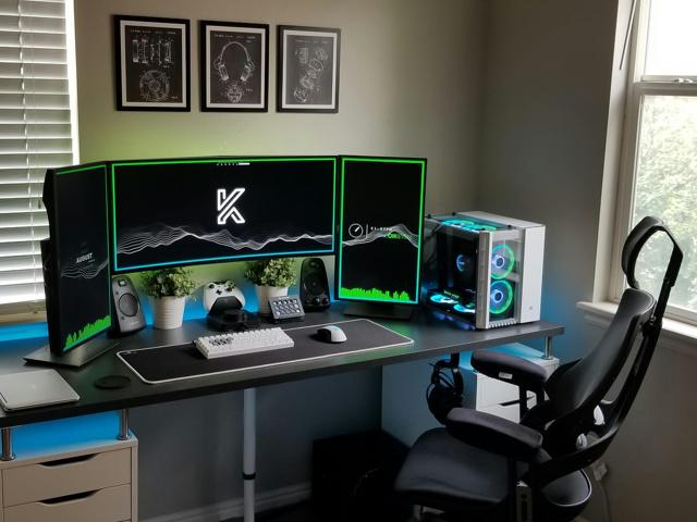 PC_Desk_UltlaWideMonitor35_77.jpg