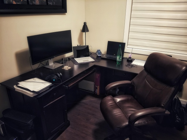 PC_Desk_UltlaWideMonitor35_80.jpg