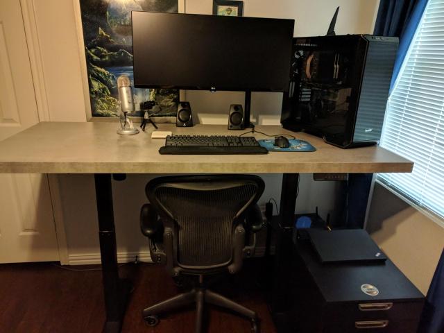 PC_Desk_UltlaWideMonitor35_95.jpg