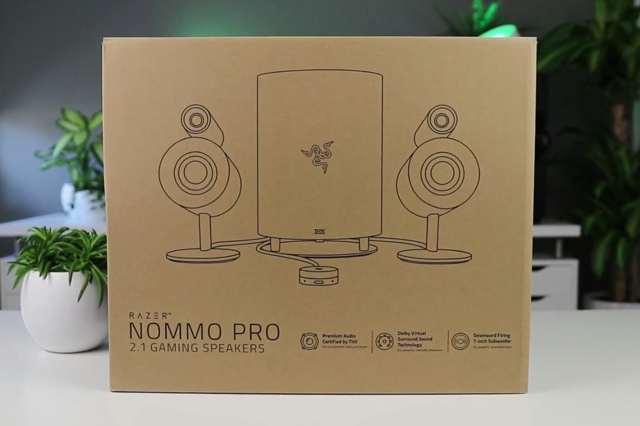 Razer_Nommo_Pro_01.jpg