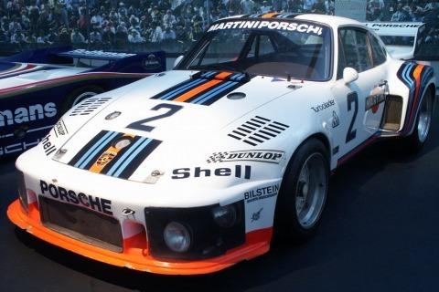 s_Porsche-935-77--Works--25379.jpg