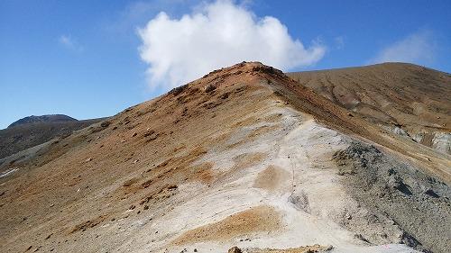 雌阿寒岳湖畔コース登山道3