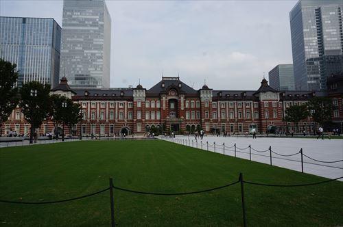 1東京駅正面