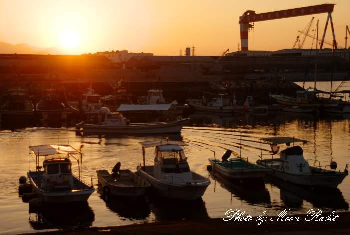 玉津漁港の夕景色 愛媛県西条市船屋西北