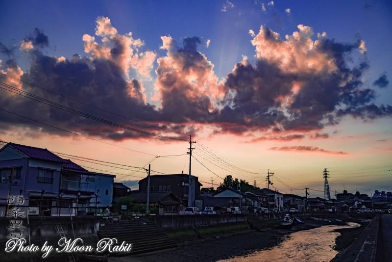 漁港と雲 愛媛県西条市北浜南