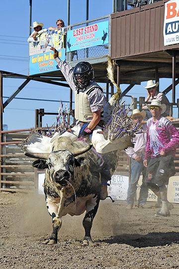 blog (4x6@300) Yoko 58 Last Stand Rodeo, Bull Riding 10, Wylee Hurst (NS Bozeman, MT