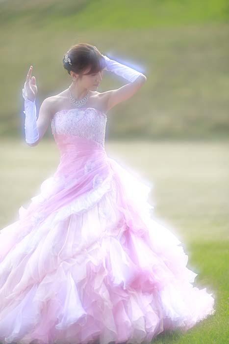 彩音:ピンクドレス