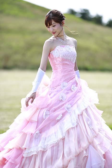 彩音:ピンクドレス2