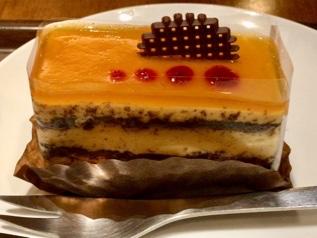 上島珈琲店の塩キャラメルケーキ