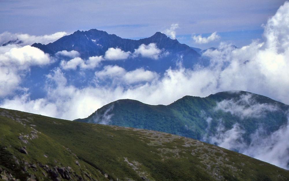 肩ノ小屋付近から穂高岳遠望