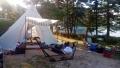 新しいテント前にて
